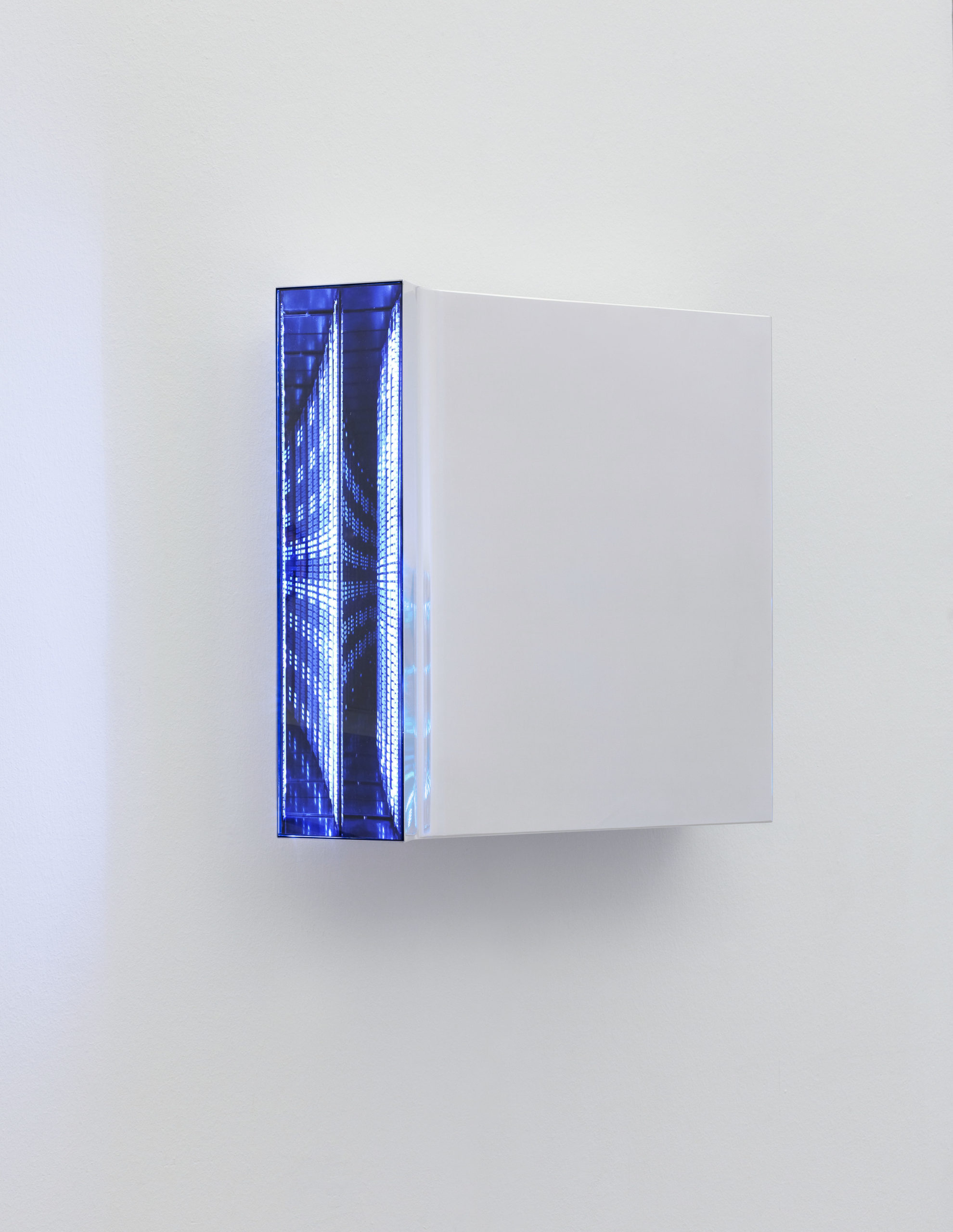 Hans Kotter Light Code (White) 2015-2016 40x40cm Metal, LED, DMX-Controller and Plexiglas