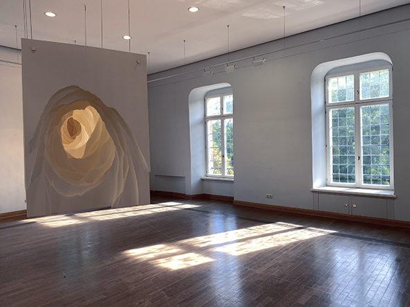 """藝術家Angela Glajcar近期於德國迪倫的伯格城堡美術館(Museum Schloss Burgau, Düren) """"GEHEIMNIS PAPIER """"展出作品"""